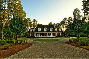 Pine Hill Manor Lodge