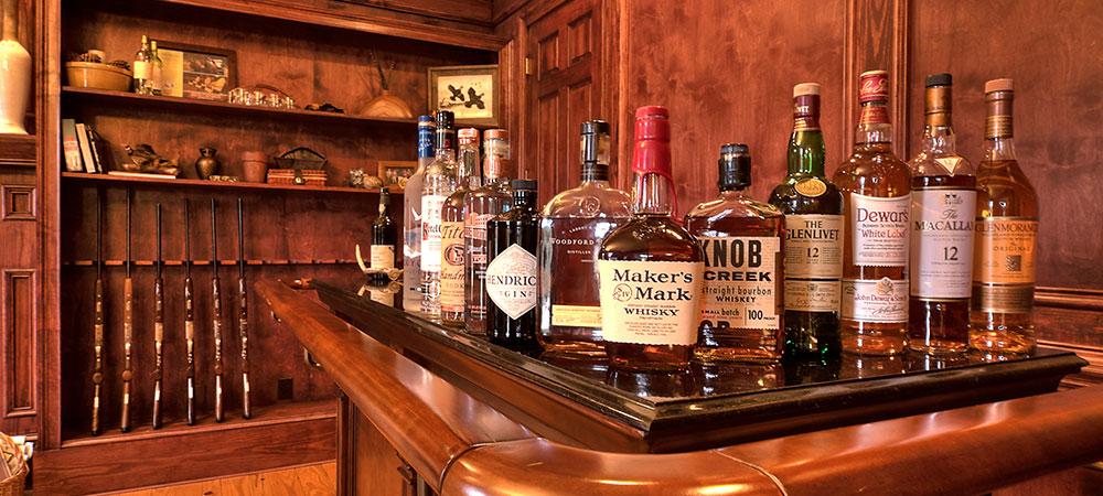 sunset-manor-bar