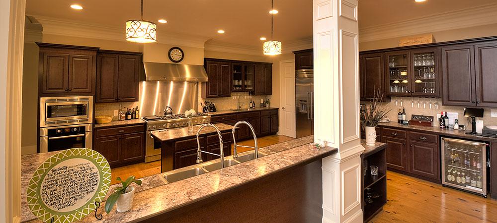 sunset-manor-kitchen